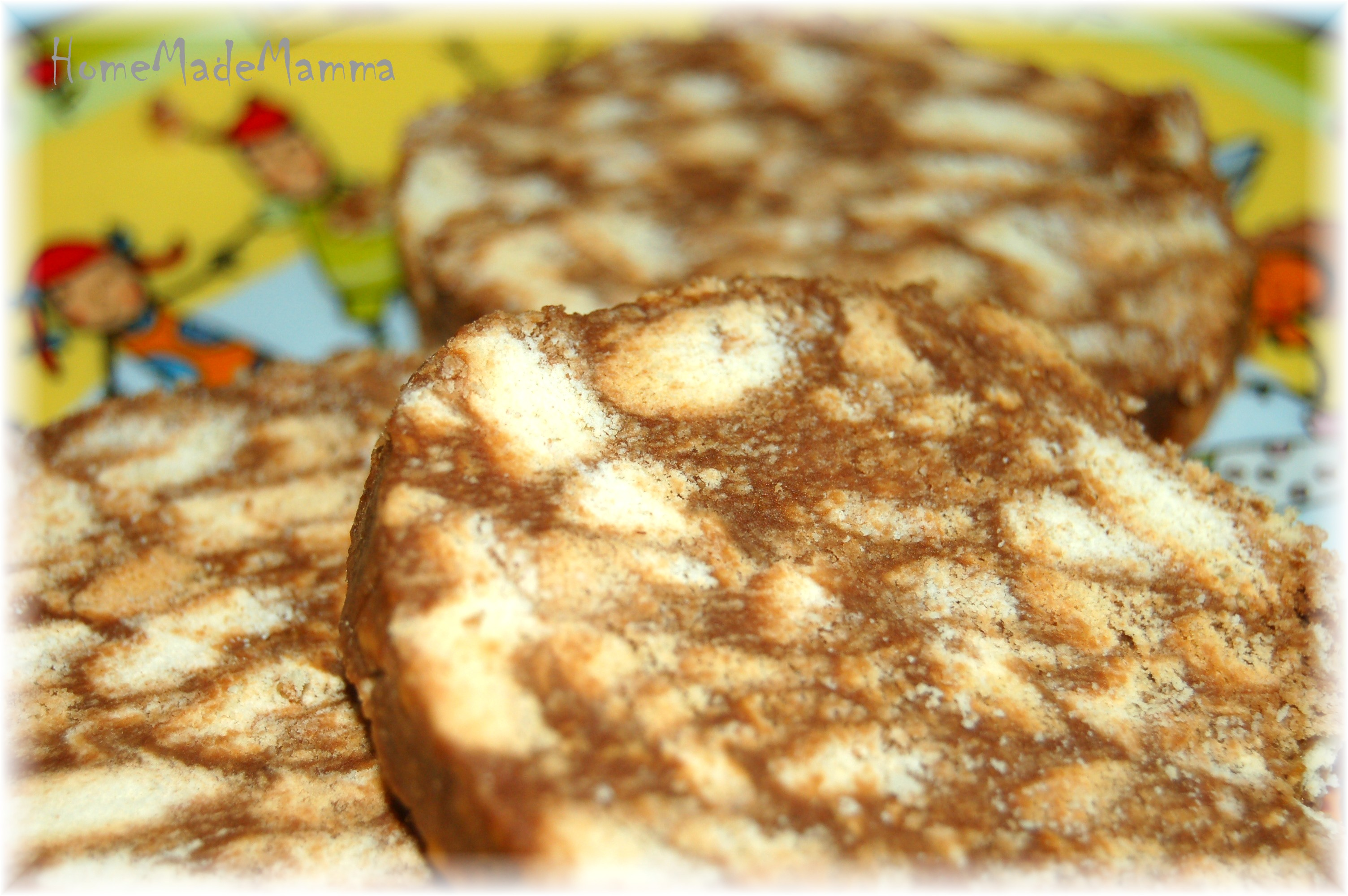 Cucinare con i bambini il salame di cioccolata di piccolo furfante homemademamma - Cucinare coi bambini ...